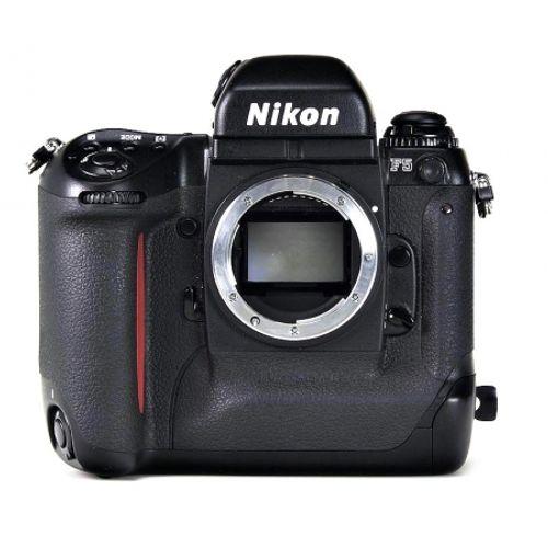 ap-foto-reflex-nikon-f5-3080