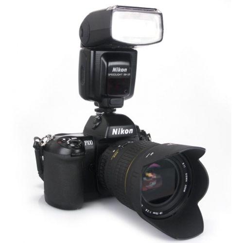 ap-foto-reflex-nikon-f100-ob-sigma-28-70mm-2-8-blitz-nikon-sb-25-3703