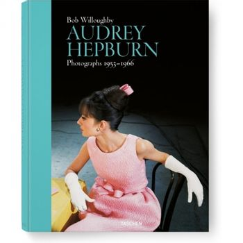bob-willoughby--audrey-hepburn--photographs-1953-1966-49252-417