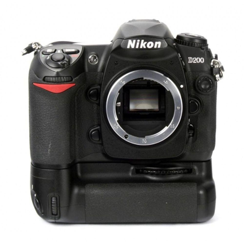 nikon-d200-body-10-mpx-5-fps-lcd-2-5-inch-grip-nikon-mb-d200-acumulator-suplimentar-7192
