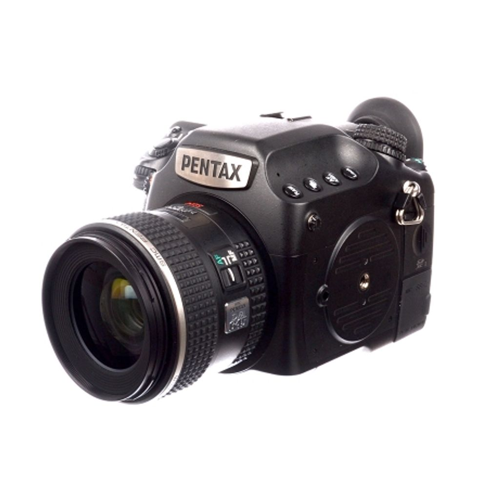 pentax-645z-pentax-d-fa-55mm-f-2-8-sdm-aw-sh7110-1-61535-423
