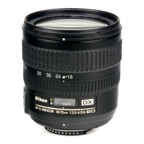 nikon-af-s-dx-18-70mm-f-3-5-4-5-g-if-ed-8260