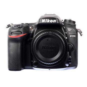 Nikon-d7200-01