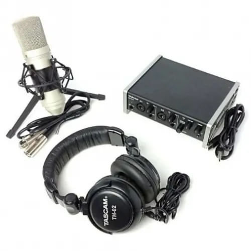 tascam-trackpack-2x2-kit-inregis
